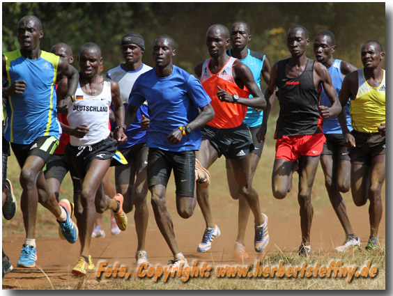 Wilson Kipsang in seiner Trainingsgruppe in Iten Kenia